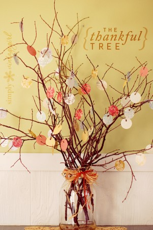 very-cute-thankful-tree